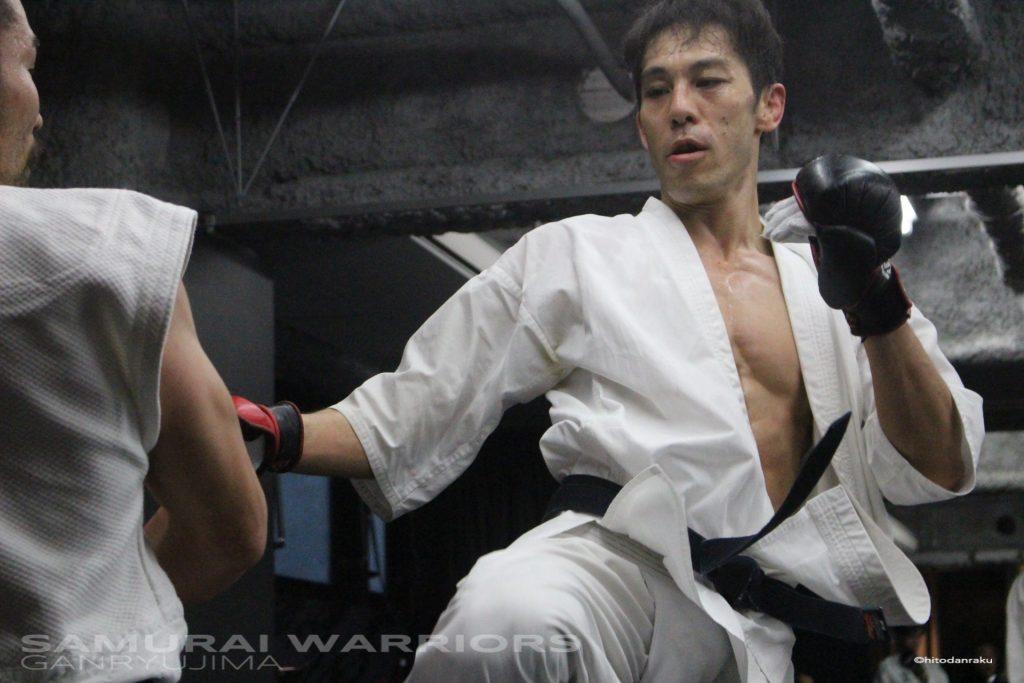 極真拳武會の藤井将貴(写真上)は、フルコン空手に顔面パンチ、ヒジ打ち、投げ、立ち関節技を加えたルールを採用する極真館出身の猛者。おなじく極真拳武會から参加した菊地先(写真下)ともども、ぜひ巌流島本戦にて重量級の日本人選手として活躍してほしい。