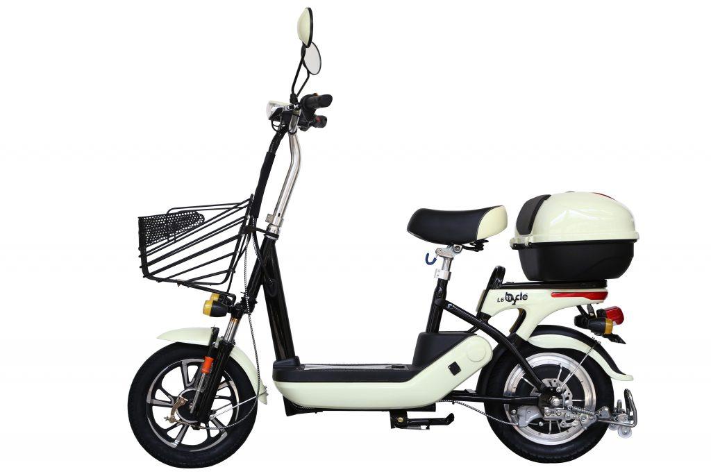 電動バイクbycle L6。この電動バイクに「巌流島」のロゴが入ります